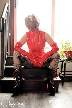 Photo of Domina Kat Morgan