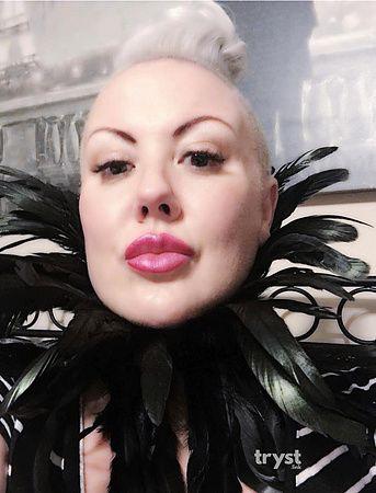 Photo of Mistress Belle K